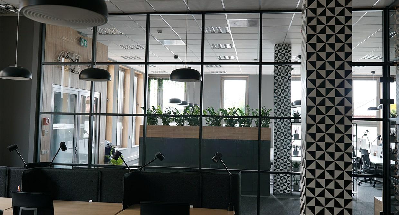 aluminiowa ścianka działowa szklana